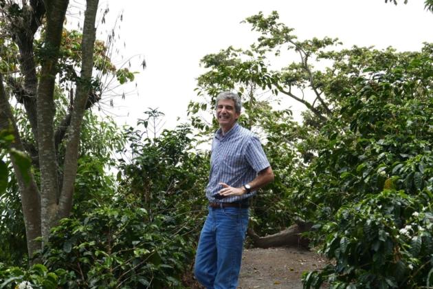 フェルナンドさんと歩くコーヒー農園
